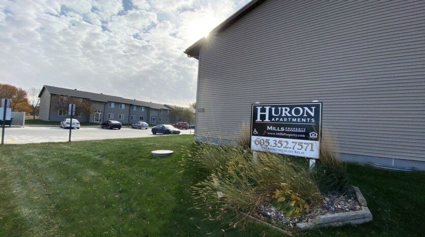 Huron Apartments in Huron, SD - Property Sign