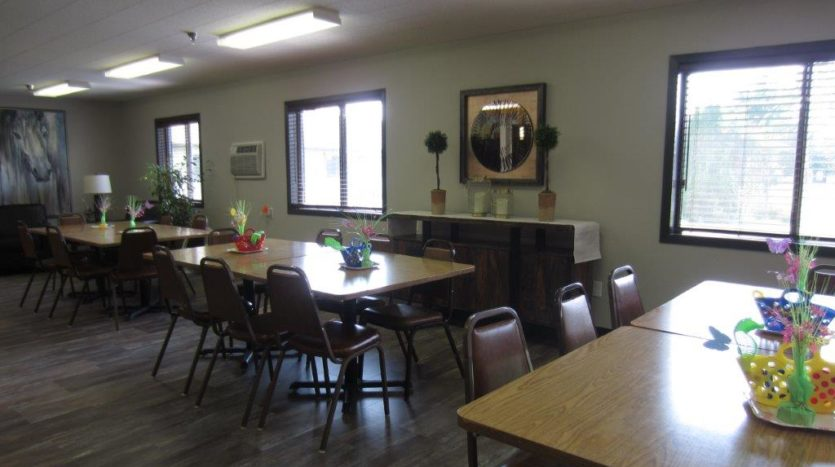 Sunrise ApaArtments in Yankton, SD - Dining Room