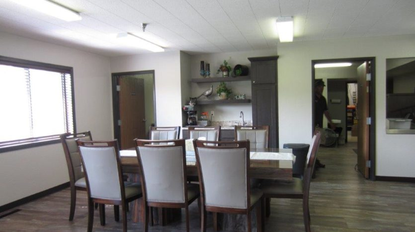 Sunrise ApaArtments in Yankton, SD - Dining Room Table