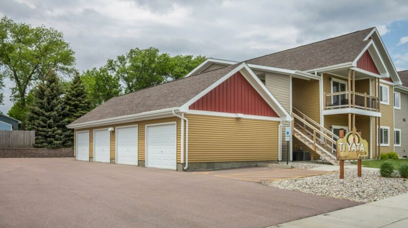 Tiyata Place Apartments in Brookings, SD - Single Detached Garage Included