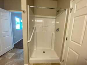 Evergreen Townhomes in Madison, SD - Bathroom Shower