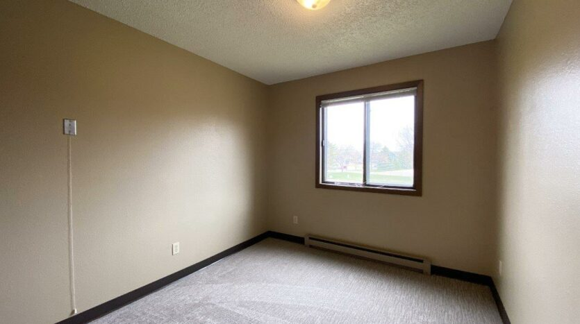 Briarwood Apartments in Brookings, SD - Bedroom 1