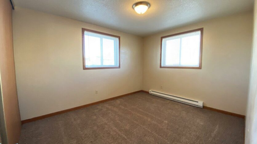 Madison Arms Apartments in Madison, SD - Bedroom 2