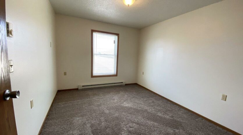 Pheasant Valley Courtyard Apartments in Milbank, SD - Bedroom