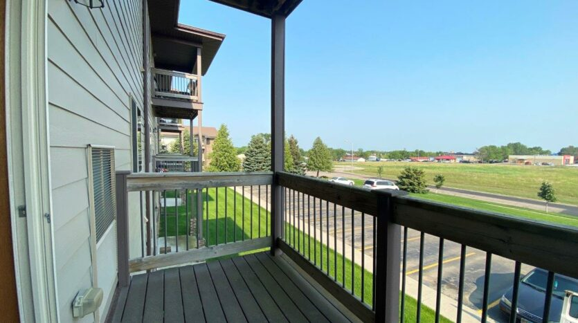 Mills Ridge Apartments in Brookings, SD - Style A Deck