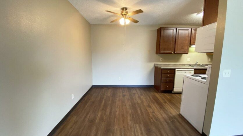 Briarwood Apartments in Brookings, SD - Dining Room