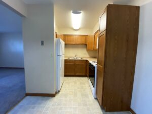 Madison Arms Apartments in Madison, SD - Kitchen