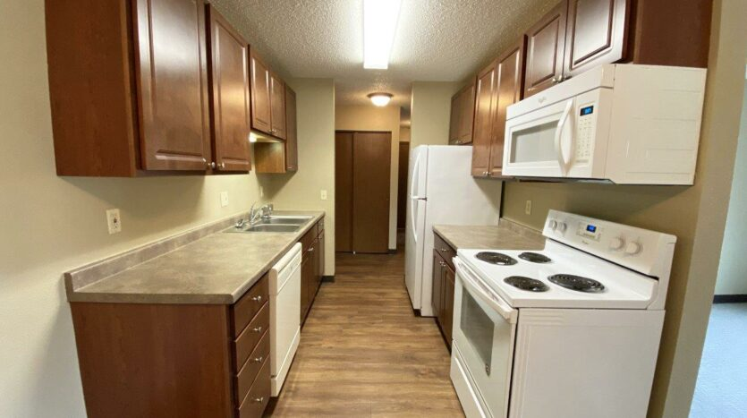 Briarwood Apartments in Brookings, SD - Kitchen