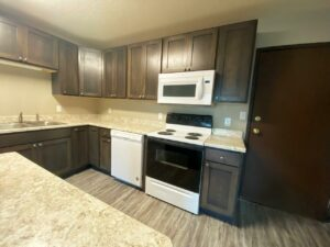 Arrowhead Apartments in Brookings, SD - Updated Apartment Kitchen2