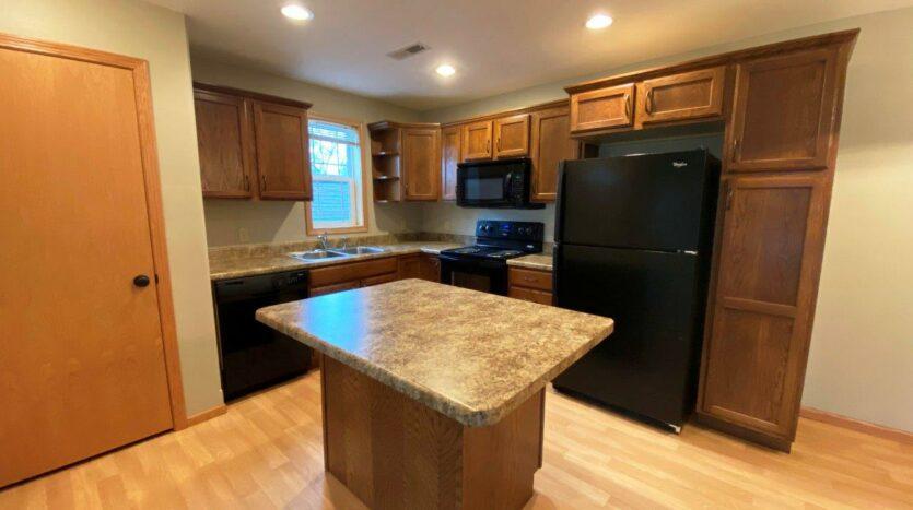 Tiyata Place Apartments in Brookings, SD - Kitchen