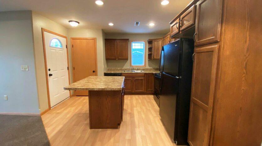 Tiyata Place Apartments in Brookings, SD - Kitchen2