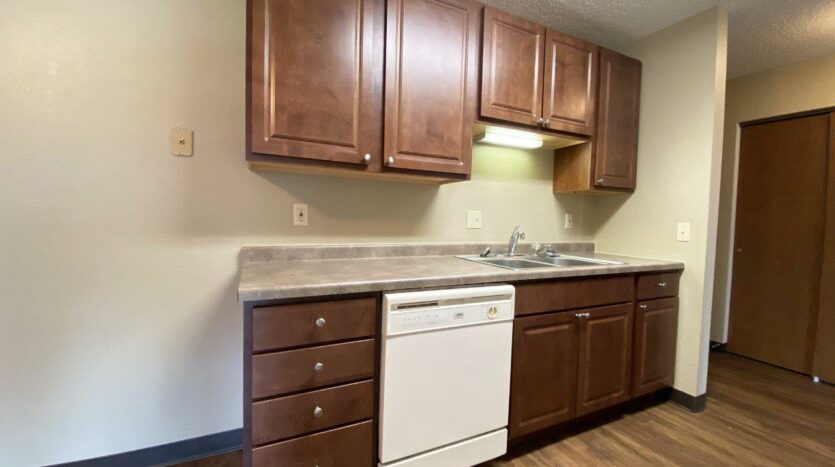 Briarwood Apartments in Brookings, SD - Kitchen2