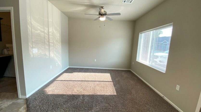Evergreen Townhomes in Madison, SD - Living Room