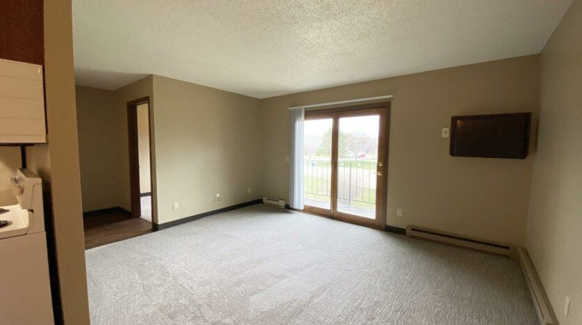 Briarwood Apartments in Brookings, SD - Living Room