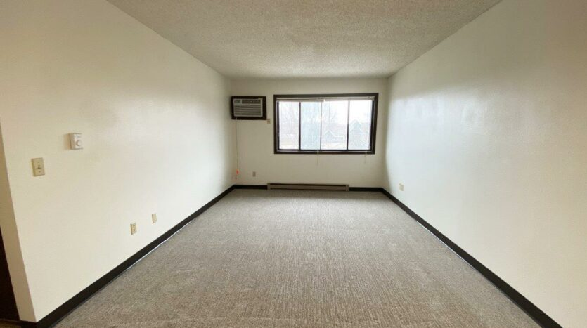 orkshire Apartments in Brookings, SD - Living Room