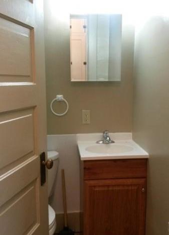 Caldwell Estate in Brookings, SD - Bathroom