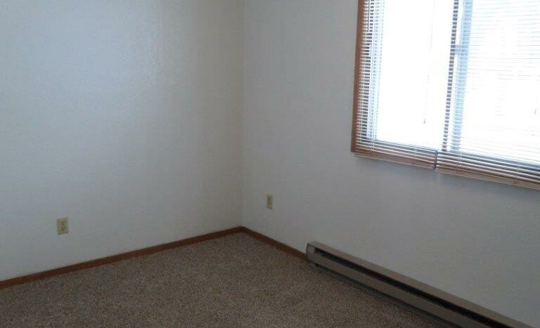 429 8th Ave S / 729 5th St S in Brookings, SD - 729 Bedroom