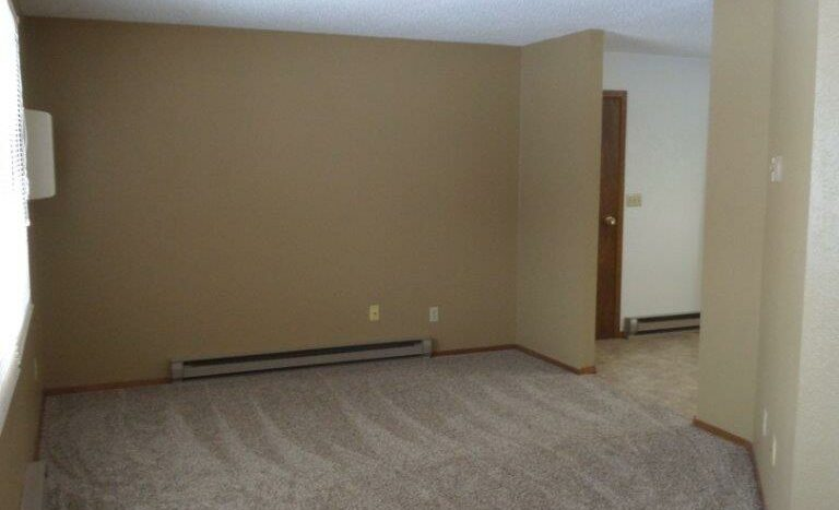 429 8th Ave S / 729 5th St S in Brookings, SD - 729 Living Room