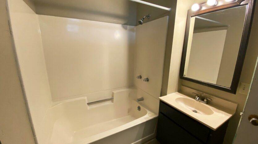 Brownstone Apartments in Brookings, SD - 1st Floor Apt Bathroom