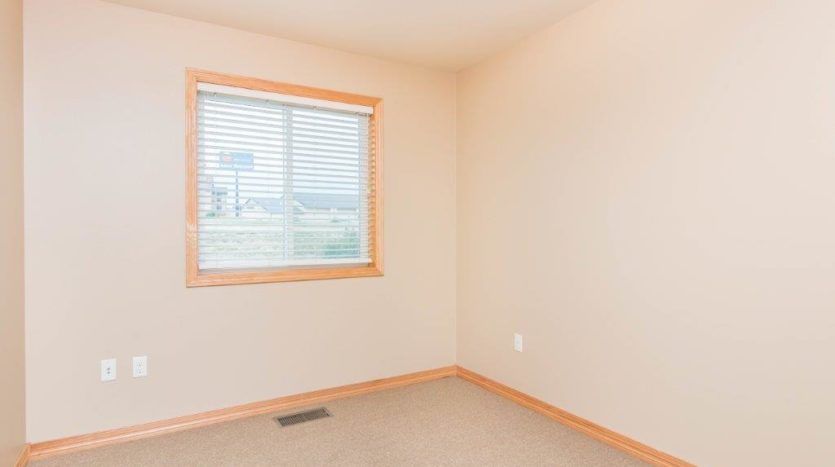 Campus Tech Apartments in Mitchell, SD - Bedroom 1