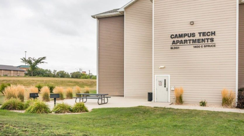 Campus Tech Apartments in Mitchell, SD - Outdoor Area