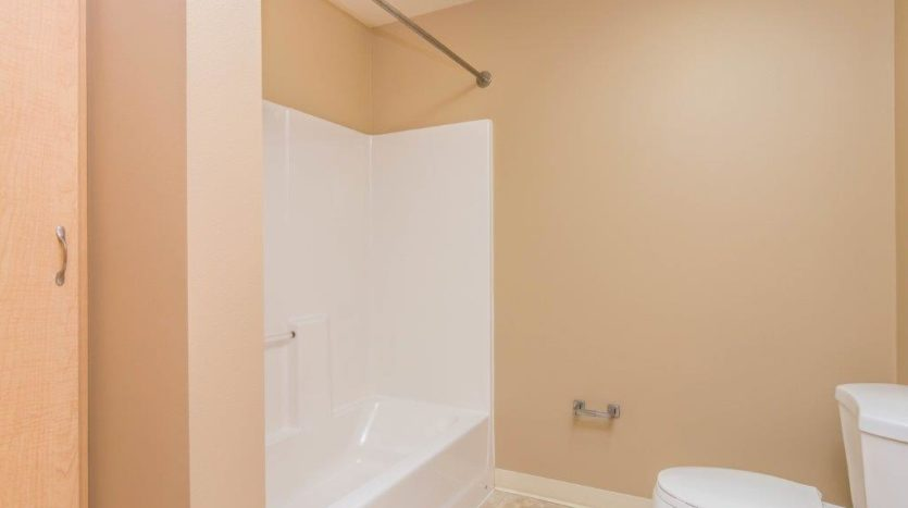 Campus Tech Apartments in Mitchell, SD - Bathroom