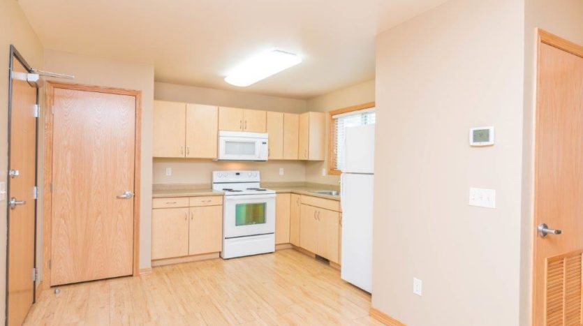 Campus Tech Apartments in Mitchell, SD - Kitchen
