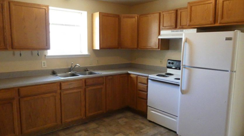 512/514 13th Ave Duplex in Brookings, SD - 514 Kitchen