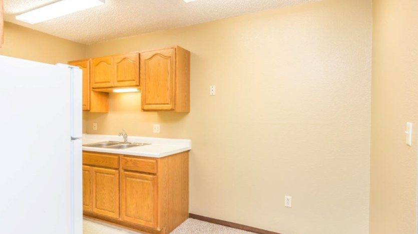 Village Square Apartments in Brookings, SD - Dining Area