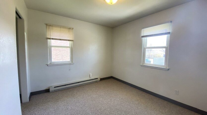 14th Ave. Apartments in Brookings, SD - Bedroom 2
