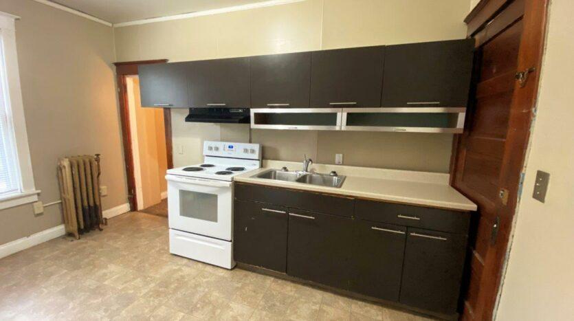 Brownstone Apartments in Brookings, SD - 1st Floor Apt Kitchen