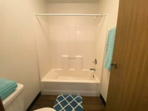Garden Village Townhomes in Brookings, SD - Upstairs Bathroom