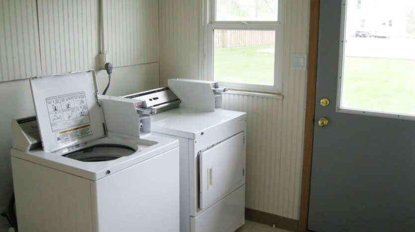 14th Ave. Apartments in Brookings, SD - Main Floor Laundry