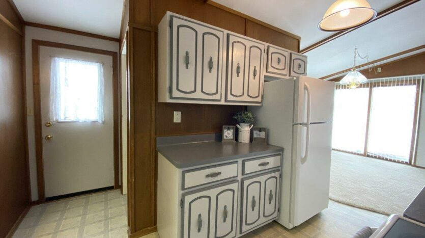 1005 Orchard Drive in Brookings, SD - Kitchen3