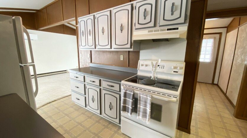 1005 Orchard Drive in Brookings, SD - Kitchen2