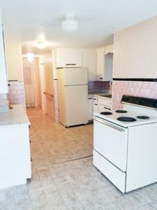 1527 4th Ave SW in Watertown, SD - Kitchen