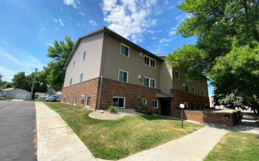 Autumn Grove Apartments in Mitchell, SD - Exterior