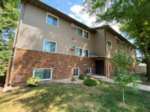 Autumn Grove Apartments in Mitchell, SD - Exterior3