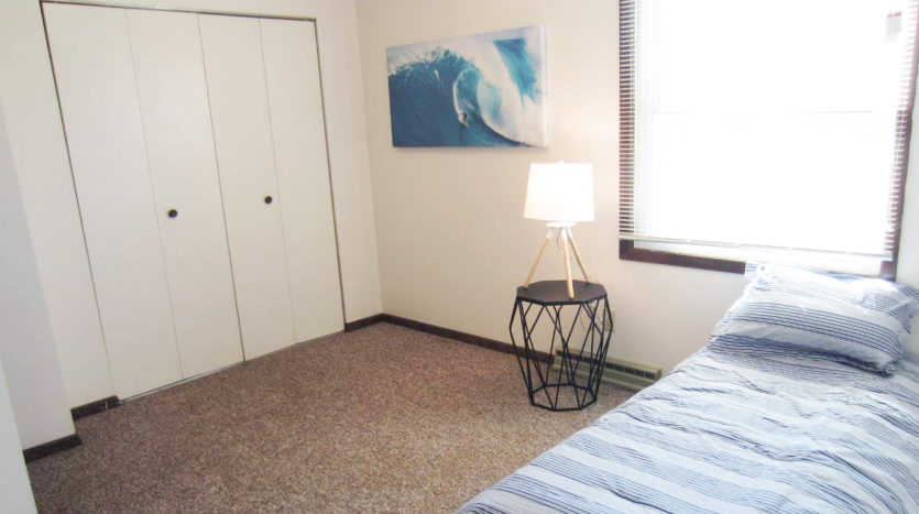 Palace Apartments & Townhomes in Mitchell, SD - Bedroom 2