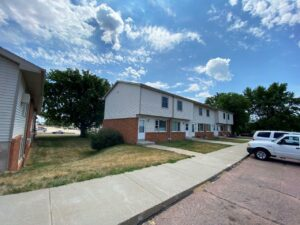 Palace Apartments & Townhomes in Mitchell, SD - Exterior4