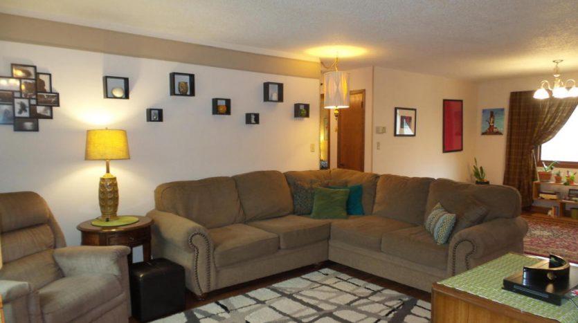 426 E Hwy 14 - Living Room