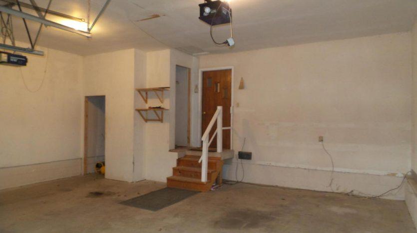 426 E Hwy 14 - Garage
