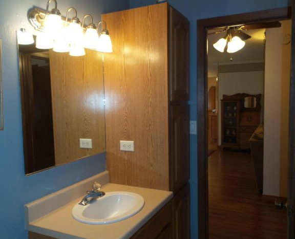 426 E Hwy 14 - Bathroom 2