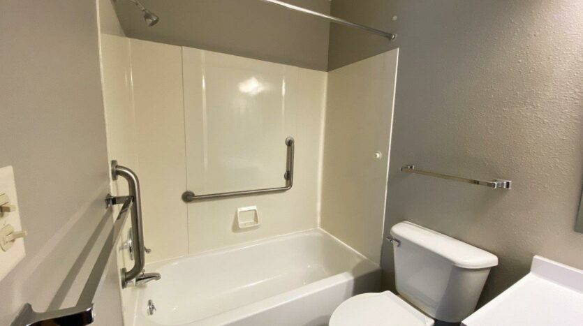 Northland Court Apartments in Mitchell, SD - Bathtub and Shower
