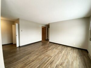 Northland Court Apartments in Mitchell, SD - Living Room