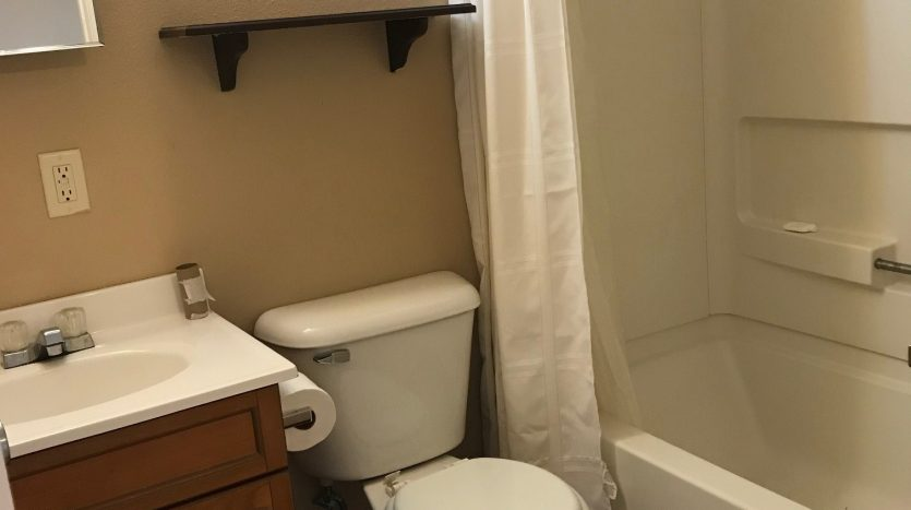 Meridian Lofts in Yankton, SD - Bathroom