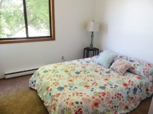 Kanyon Krossing Apartments in Miller, SD - Bedroom 2