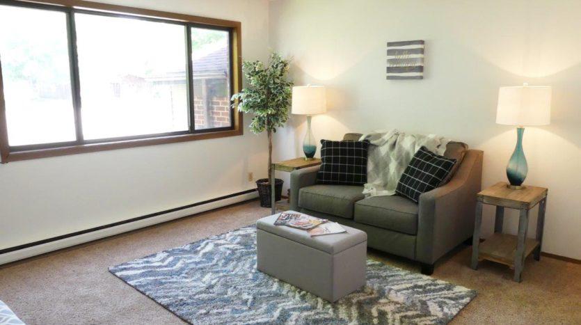 Kanyon Krossing Apartmets in Miller, SD - Living Room