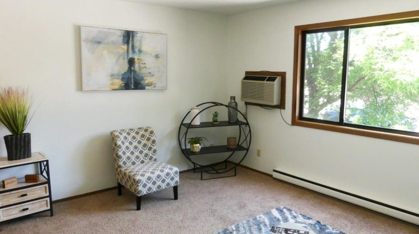 Kanyon Krossing Apartments in Miller, SD - Living Room Alternate View