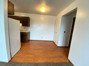 Kanyon Krossing Apartments in Miller, SD - Alternative Layout Dining Room
